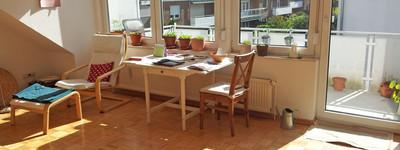 Helle 2 Zimmer-Dachgeschoss-Wohnung mit Einbauküche, Südbalkon und Pkw-Stellplatz in B.O-HDZ