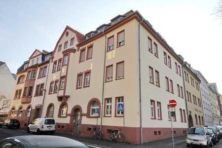 Beliebtes Brentanoviertel - 2 Zimmerwohnung mit Küchenzeile in Stadtmitte (Aschaffenburg)