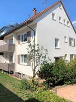 Zweifamilien - Doppelhaushälfte mit tollem Garten