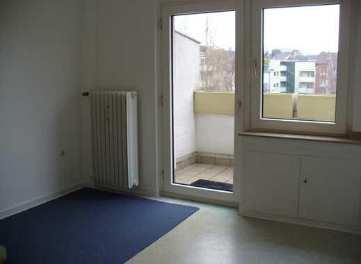 Gepflegte 2-Zimmer-Wohnung mit Balkon und Einbauküche in Düsseldorf-Pempelfort