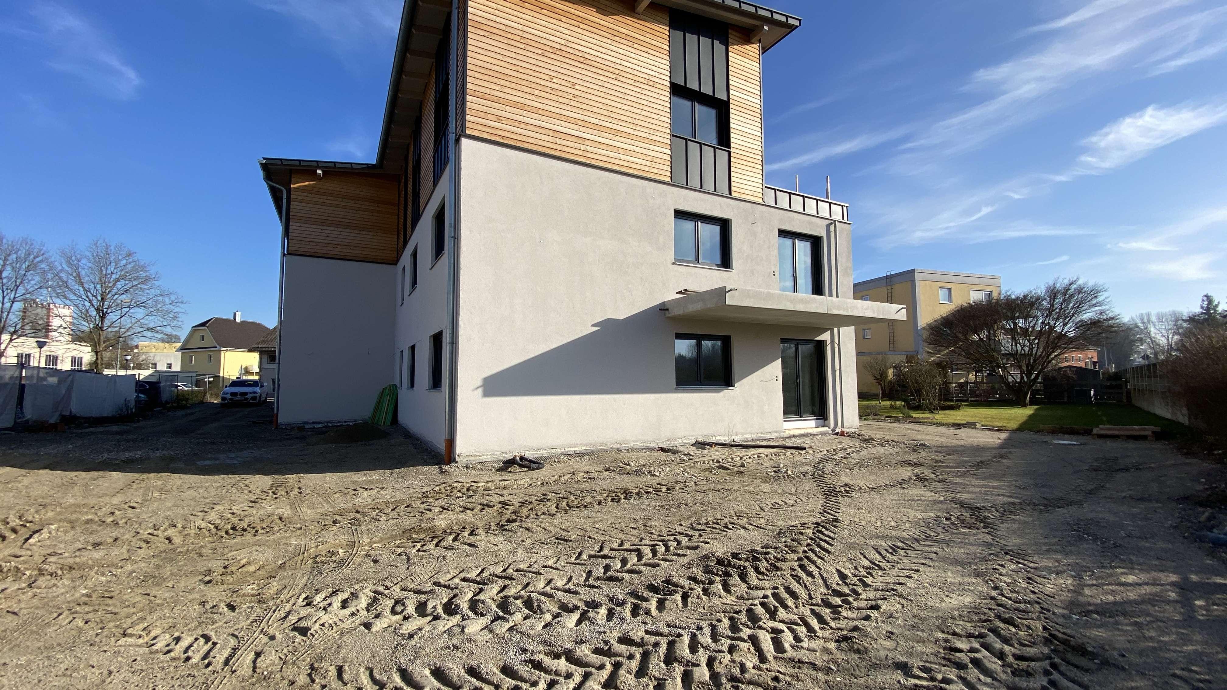 ... AIGNER - moderne gehobene 4-Zi-OG Neubauwohnung mit Westbalkon und EBK ... in Mühldorf am Inn
