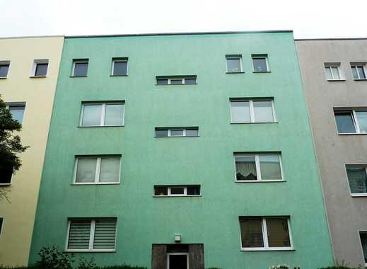 Dachgeschoss-Wohnung mit 2 Zimmern, ab 01.08. bezugsfrei