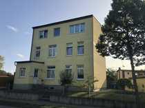 Wohnhaus mit drei Wohneinheiten auf