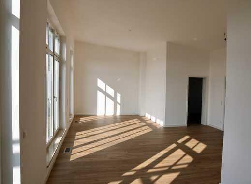 Hohe Decken, bodentiefe Fenster, Südblick - exklusive Dachgeschosswohnung mit 23 m² Dachterrasse