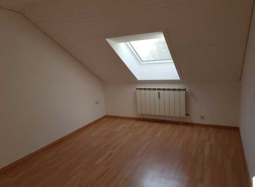 3-Zimmer-Dachgeschosswohnung mit EBK in Puchheim