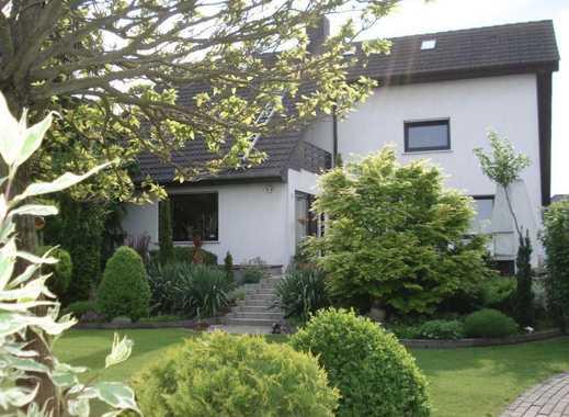 Schönes Haus mit idylischem Garten in Randlage
