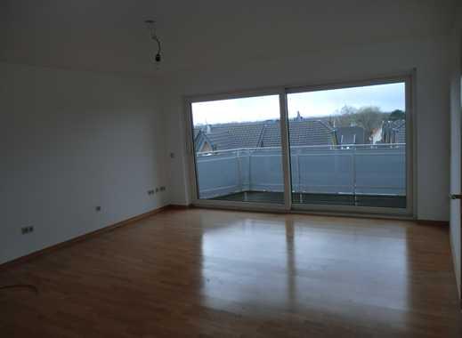 Schöne 4-Zimmer-Wohnung mit Einbauküche und Balkon in Wahn, Köln
