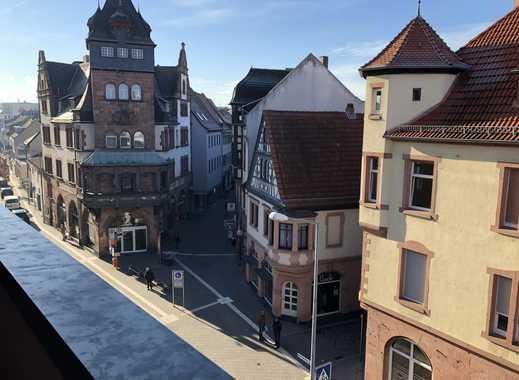Erstbezug nach Sanierung:  4-Zimmer- Penthouse mit EBK, Kamin, Balkon & Stellplatz in Worms