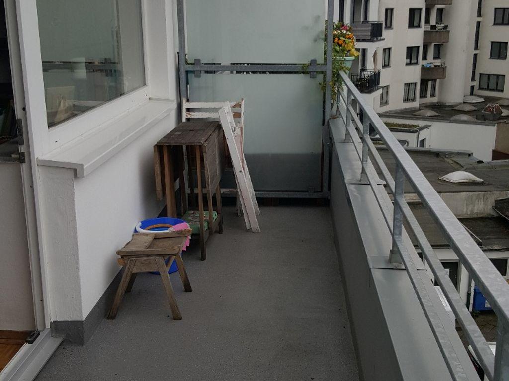 Derendorf in gepflegt. Haus, Maxi-App., sep. Küche, gr. Balkon, Parkett!
