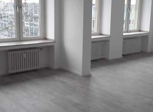 TOP SANIERT! Schöne 3,5 Zimmer Etagenwohnung inmitten des Zentrum