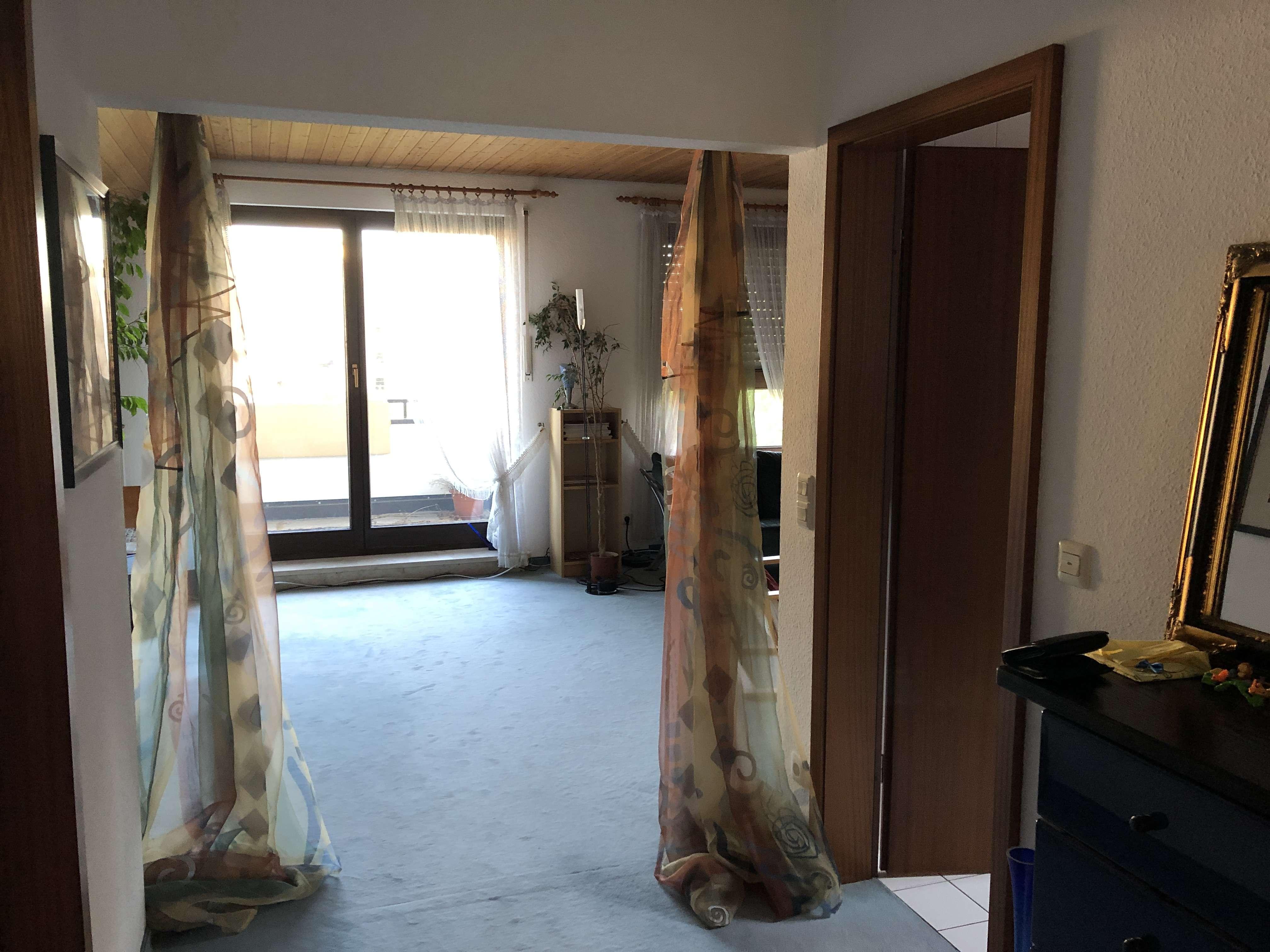 Dachgeschosswohnung, 65 m², 2 Zimmer möbiliert