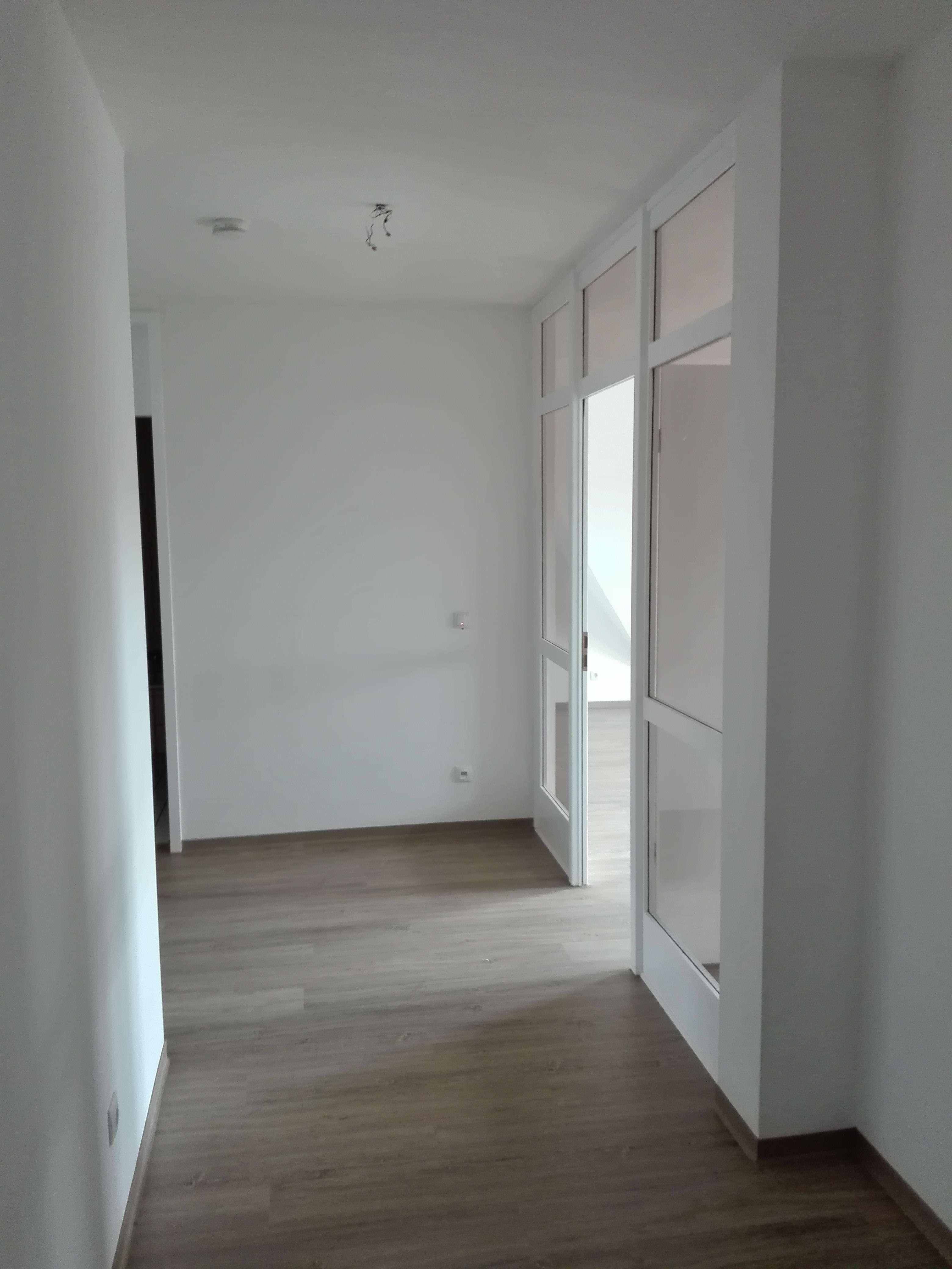 Frisch renovierte, großzügige 2 Zimmer-Wohnung in Hirschaid in