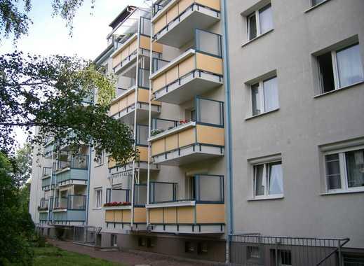 Gemütliche 3-Raum-Wohnung mit Einbauküche und Balkon