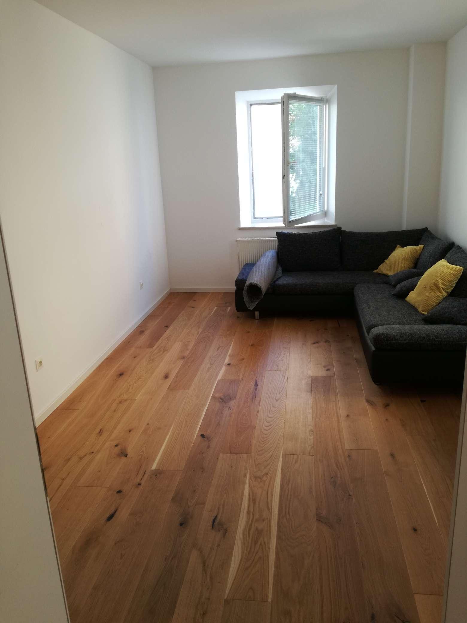 Sanierte Altbau Wohnung mit EBK in Landshut in Nikola