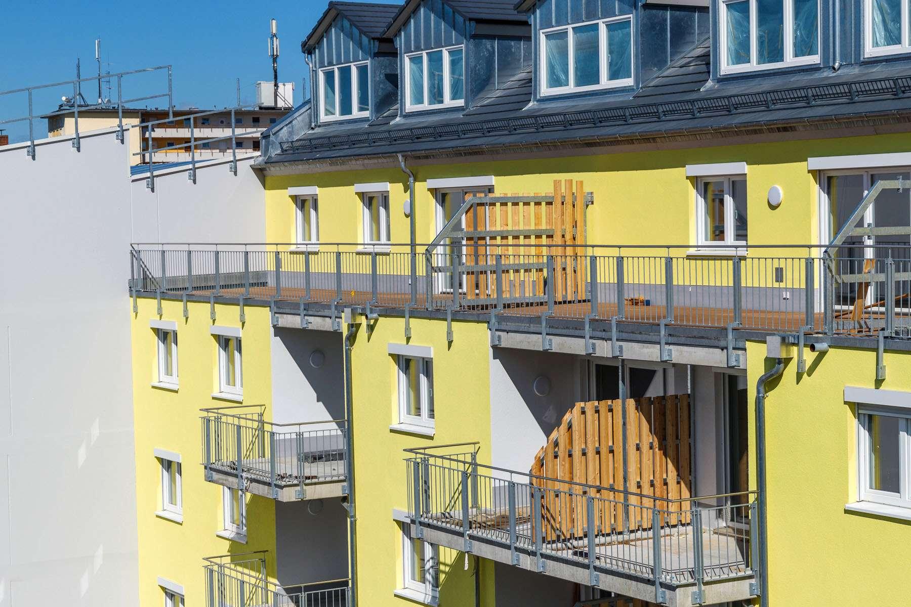 ~ 5-Zimmer Wohnung mit Dachterrasse zum Innenhof ~ in