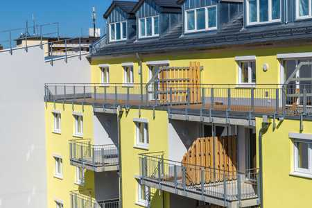 ~ 5-Zimmer Wohnung mit Dachterrasse zum Innenhof ~ in Südstadt (Fürth)