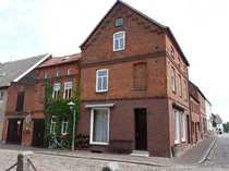 Zentral gelegenes Einfamilienhaus mit Ladenfläche