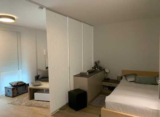 Exklusive, neuwertige 1-Zimmer-EG-Wohnung mit Terrasse und Einbauküche in Stuttgart