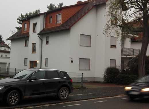 Gepflegte, Provisionsfrei, 2-Zimmer-DG-Wohnung mit Balkon, Garage und Einbauküche in Lampertheim