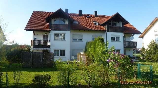 Attraktive und sonnige Dachwohnung in 6-Familienhaus  in