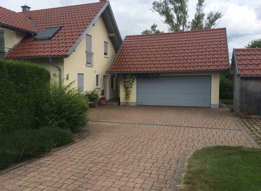 Freistehendes Haus mit großem Garten im Grünen