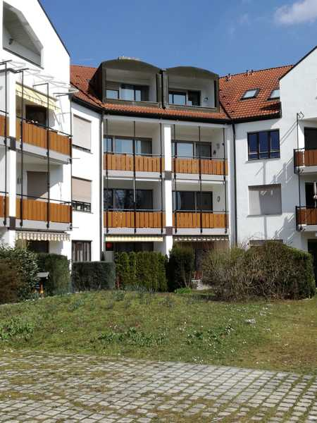 Sehr schöne 3-Zimmerwohnung mit Balkon und Küche, renoviert, Kreis München (Neukeferloh) in Grasbrunn