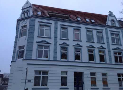 top-modernisierte DG-Wohnung zentrumsnah, hell, loftartig, am Park in Neumünster-Provisionsfrei
