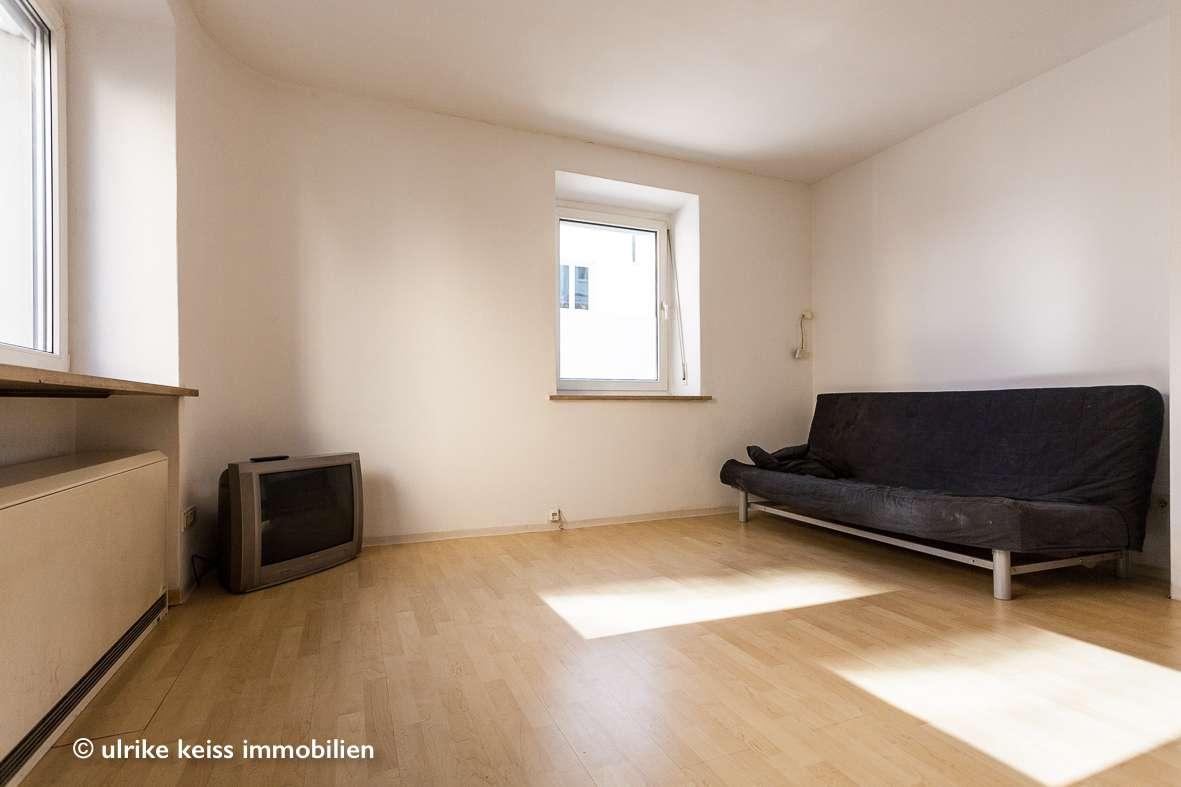 """Klein, aber """"mein""""! Echte Alternative zu einer WG Wohnung! Laminat! Schöne Belichtung! in Augsburg-Innenstadt"""