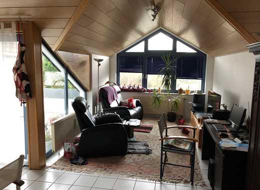 Bad Camberg Kurparknähe, 2-Zimmer-Dachgeschosswohnung mit Balkon, Carport, Keller, Einbauküche