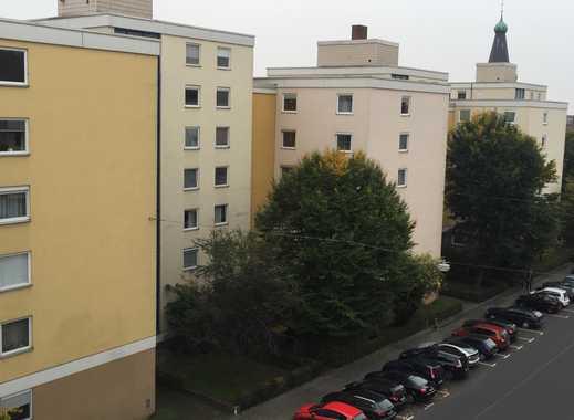 WG Mitbewohner/in gesucht in großer Wohnung.