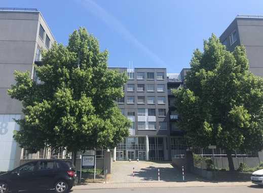 Großzügige und helle Wohnung mit Balkon