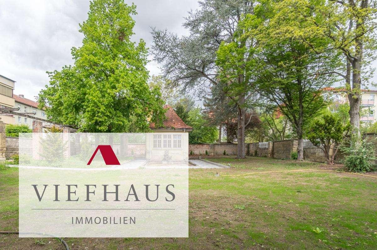 Kernsanierte Wohnung in exklusiver Altbau-Stadtvilla mit großem Garten und Garage in Kitzingen