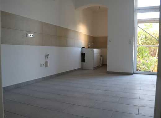 Erstbezug nach Sanierung! Helle moderne 4-Zimmer Wohnung mit Fußbodenheizung zu vermieten!
