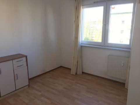 Zimmer In 2er Wg 12qm Voll Eingerichtet Spulmaschine