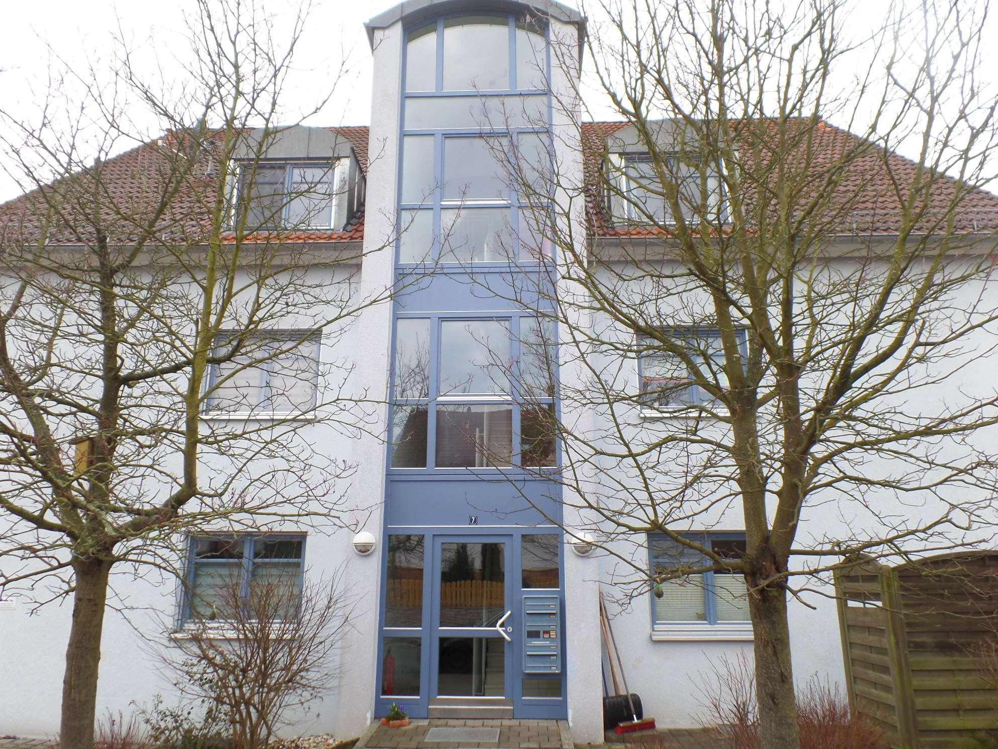 Gepflegte 3-Zimmer-Wohnung mit Balkon und EBK in Heilsbronn in