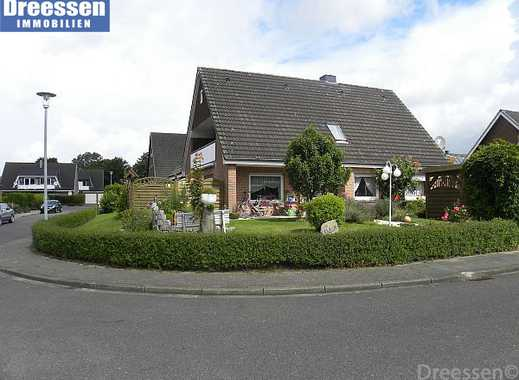 Büsum/Westerdeichstrich: Großes Wohnhaus mit 3 Wohnungen, 210 m² Wohnfläche, Garage und Garten