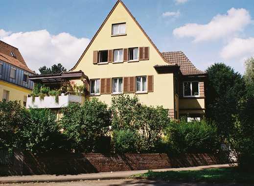 Ideale Lage für Hausarzt, Rechtsanwälte oder Steuerberater. Praxis- und Wohngebäude in GP.
