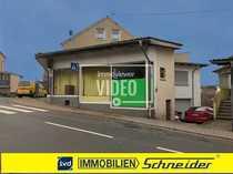 Bild 2 Eckladenlokale mit bestem Sichtkontakt und 3-Familienhaus in Illingen zu verkaufen.