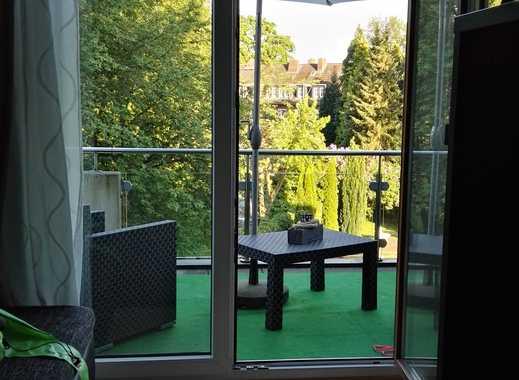 Helle 1,5-Zimmer-Wohnung mit großem Balkon und Blick ins Grüne