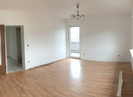 Vollständig renovierte 3-Zimmer-Wohnung mit Balkon in Brühl