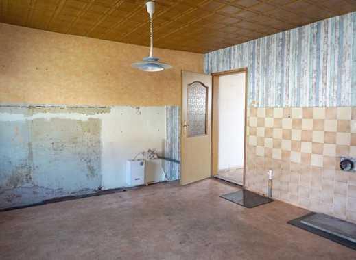 DHH_sanierungsbedürftig_ca. 100m²_teilunterkellert_4 Zimmer_Nebengelass mit Werkstatt_Grdstk. 450m²