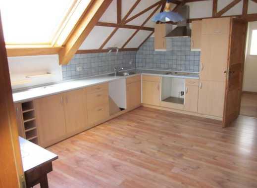 2-Zimmer-Dachgeschosswohnung mit großem Wohnzimmer +Kachelofen
