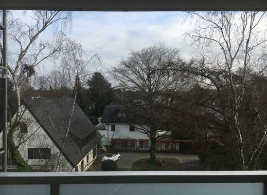 Stilvolle, geräumige 1-Zimmer-Wohnung mit Balkon in Weiden, Köln