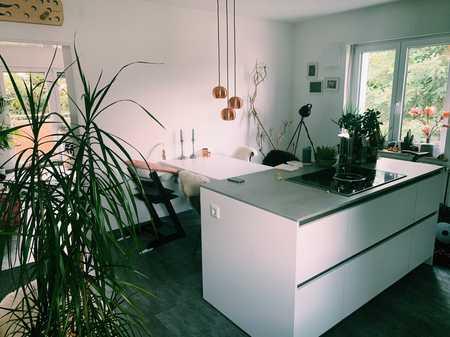Hochwertig, renovierte, helle 2 Zimmerwohnung mit Gartenanteil in Wettstetten