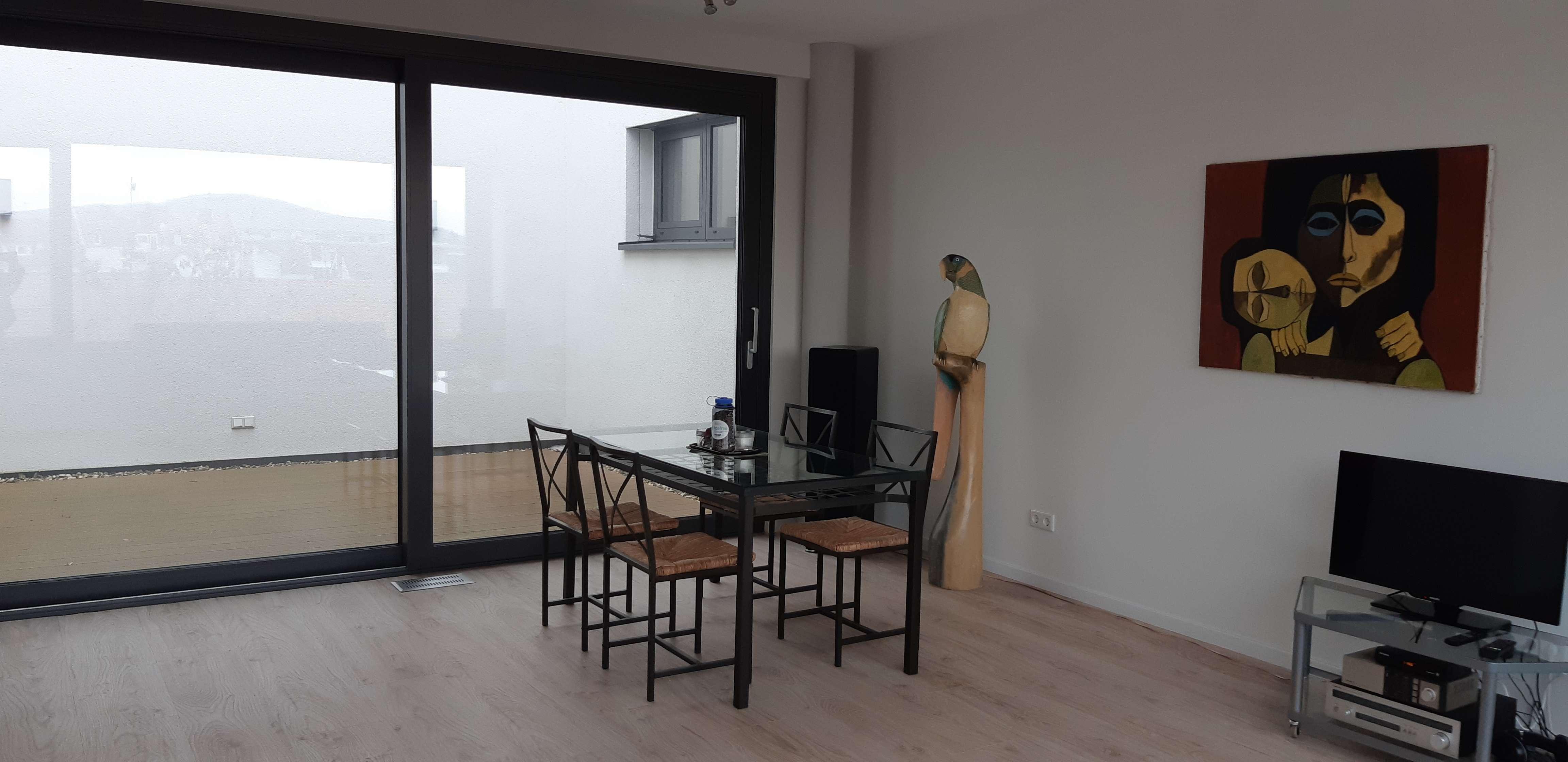 ** Moderne 2-Zimmer-Wohnung mit EBK** in Damm (Aschaffenburg)