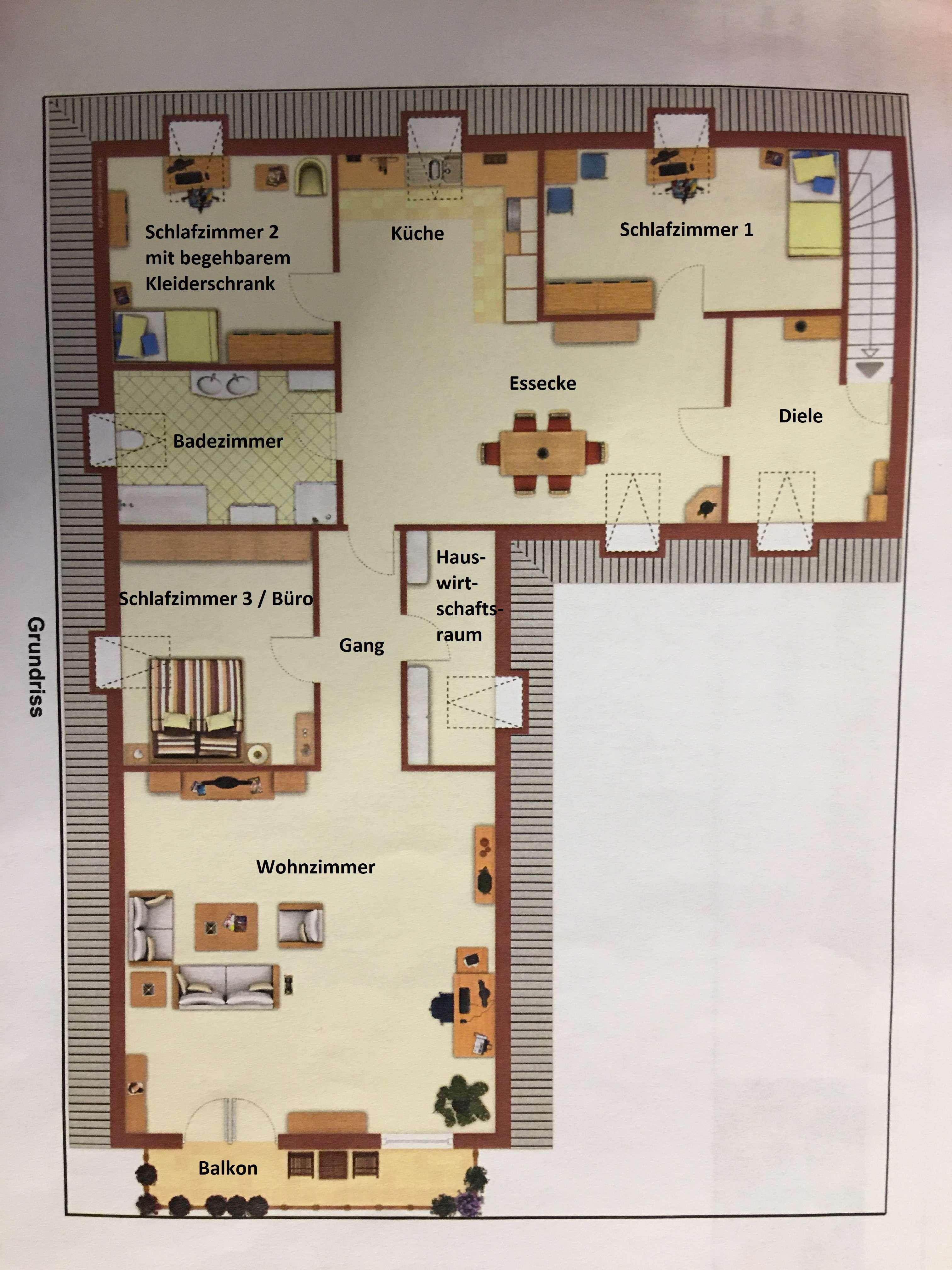 Helle und geräumige 4,5-Zimmer-Wohnung mit Balkon und Bergblick von privat in