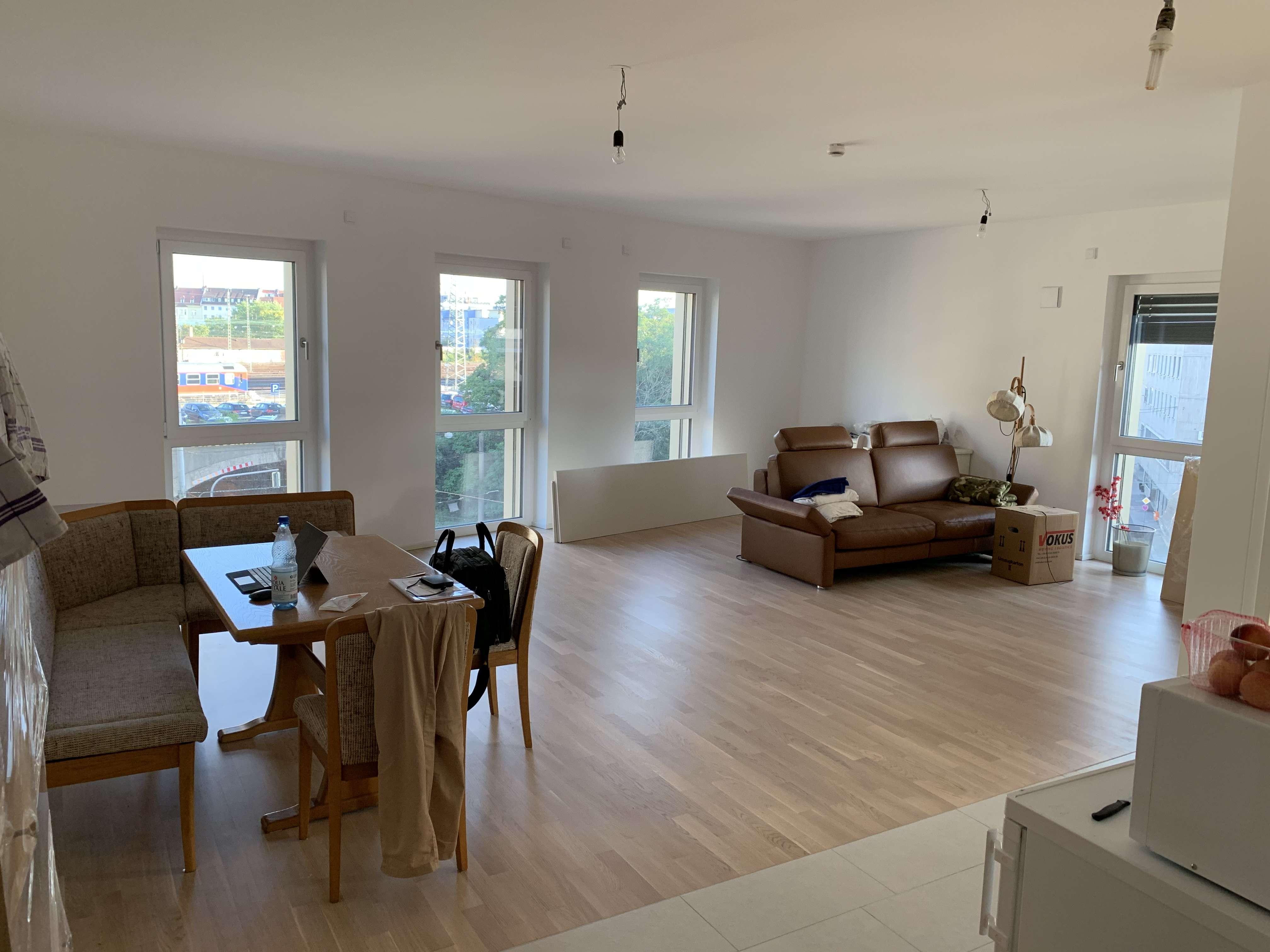 Verkehrsgünstig gelegene, geräumige zwei Zimmer Wohnung in Nürnberg, Marienvorstadt