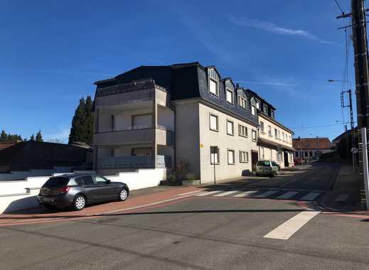 Günstige 4-Zimmer-Wohnung mit Balkon und EBK in BLIES-EBERSING