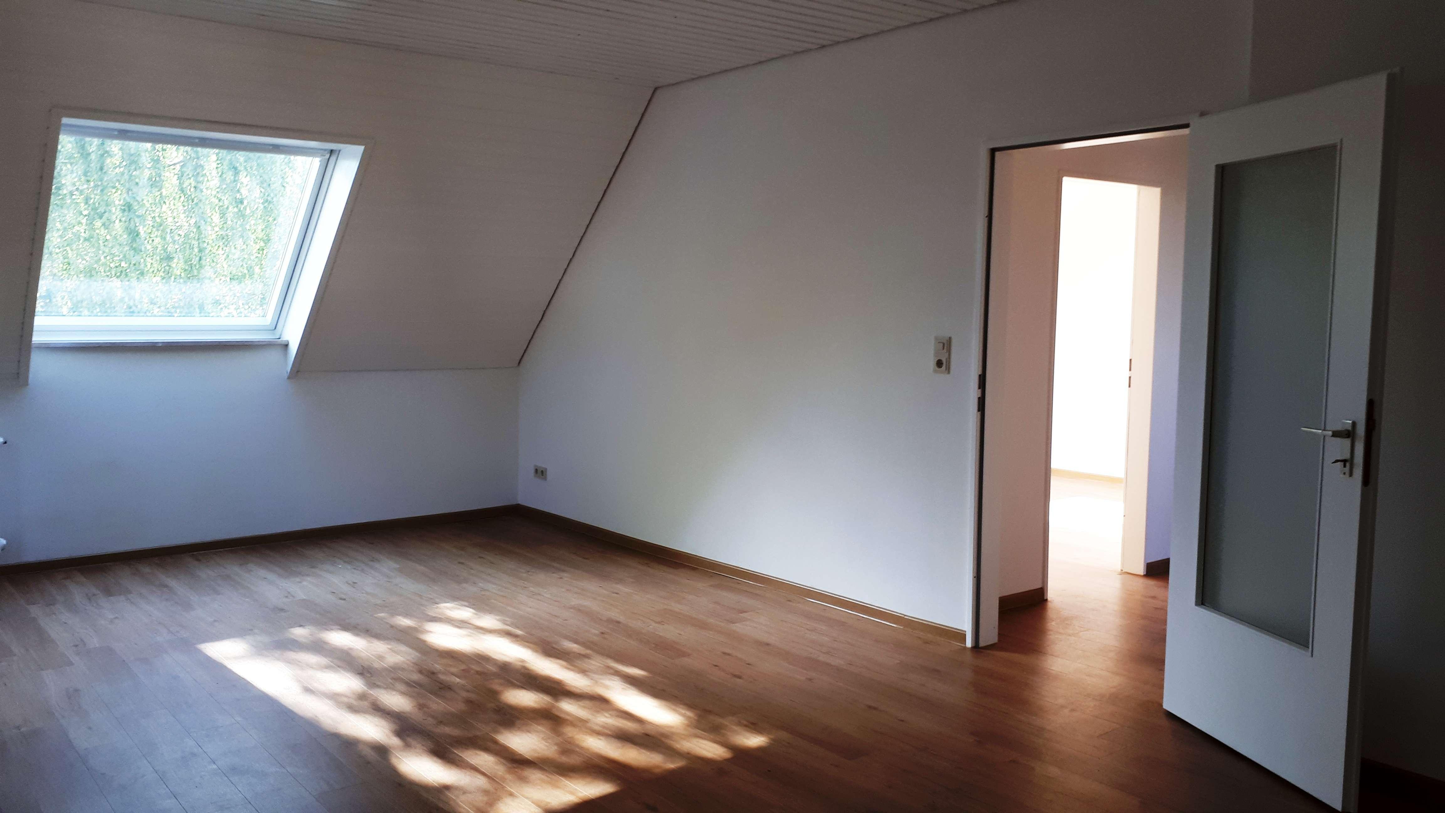 Gepflegte 3 ZKB-DG-Wohnung in