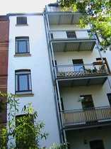 WG-geeignete Dachgeschoss-Wohnung mit Balkon wieder